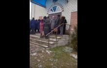 """Ровенщину на Крещение всколыхнул религиозный скандал: """"Срезали замки на дверях церкви"""""""