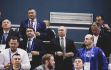 Заставил Путина встать во время исполнения Гимна Украины: видео награждения Хижняка взорвало Сеть