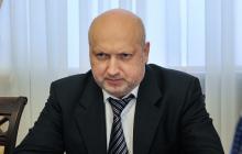 """Турчинов: """"Пропускать оккупантов на украинские позиции преступление, за которое придется отвечать"""""""