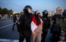 Взрывы, столкновения и сотни задержанных: что происходит в Минске после инаугурации Лукашенко