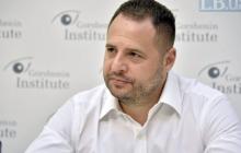 Готовы менять Конституцию после встречи с Путиным: у Зеленского назвали условия для ОРДЛО