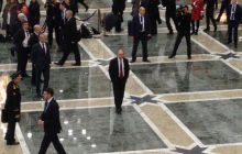 """Фото с Путиным: тот самый случай, когда с президентом РФ все """"хотят"""" поздороваться за руку"""