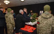 Тысячи людей со слезами прощались с погибшим бойцов ООС Денисом Волочаевым