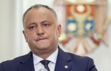 Момент приема президентом Молдовы Додоном денег от российских кураторов попал на видео
