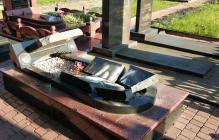 Варвары разгромили могилы бойцов АТО под Житомиром: опубликованы кадры с кладбища