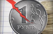 В России рекордно рухнул рубль до 80 за доллар: инвесторы срочно продают активы и бегут из страны