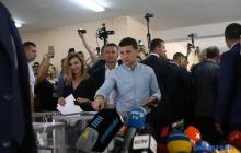 Зеленский сказал на избирательном участке, что намерен сделать с Верховной Радой: видео