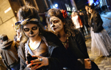 Почему на Хэллоуин дети прячутся под костюмами нечисти - факты