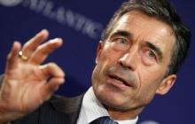 Расмуссен: НАТО не планирует оборудовать военные базы в Украине