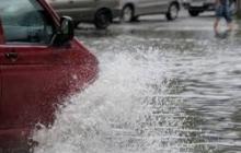 Под воду чуть не ушло село в Черкассах: бушующая стихия лишила света жителей более 100 населенных пунктов