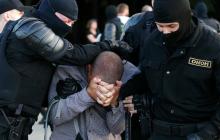 В Сети впервые показали, что ОМОН делает с протестующими в тюрьме Минска: кадры неизвестный снял тайно