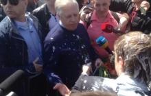Симоненко убегает с митинга 1 мая под шквал возмущений и оскорблений. Видео