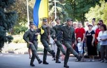 Яркий праздник в Славянске: жители города благодарят своих защитников за освобождение от террористов Гиркина
