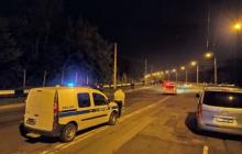 """Соцсети: в оккупированном Донецке взорвана машина """"важного боевика"""", все оцеплено, много охраны, - кадры"""
