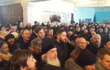 УПЦ МП устроила бунт в Украине: рвали бюллетени, игнорировали Гимн Украины – резонансные кадры