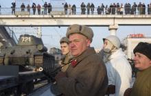 """Сеть крайне возмущена странным представлением в России: """"Страна безумных реконструкторов"""""""