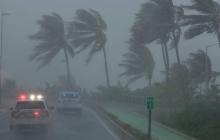 """""""Ирма"""": в Сети публикуют кадры урагана, свирепствующего в Карибском море и угрожающего Гаити, Доминикане, Кубе и США"""