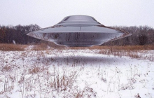 В Херсоне сняли крупный светящийся НЛО: появилось видео