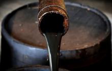Нефтехранилища в США переполнены: цена на нефть опустистилась до отрицательных цифр