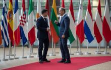 Зеленский в Брюсселе обратился с громкой просьбой к Туску, Кремль в ярости