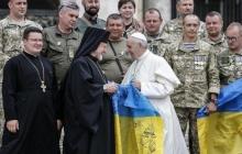 Франциск молится за мир в Украине: бойцы ВСУ провели встречу с Папой Римским – исторические кадры