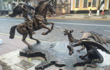 В СБУ сказали, почему убрали с сайта казака, который убивает двуглавого змея на Донбассе: фото