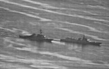 """Опасное сближение: СМИ опубликовали кадры """"сражения"""" кораблей ВМС США и Китая"""
