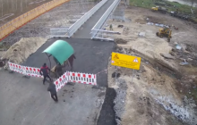 """Боевики """"ЛНР"""" начали разворовывать недостроенный мост в Станице Луганской"""