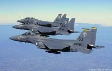 Десятки боевых самолетов США и НАТО F15D, C30 Hercules и другой авиатехники прибыли в Украину