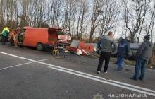Трагическое ДТП в Ровненской области: трое погибших и перевернувшийся бензовоз из-за лихачества - кадры