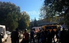 """Очевидцы о теракте в Керчи: """"Людей просто расстреливали, это был не взрыв, раненые до сих пор стонут на улице"""""""