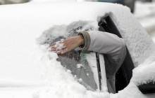 """Важное из прогноза погоды: Украину ждет испытание гололедом и снежными заносами: """"Не покидайте пределы города"""""""