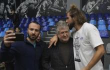 Коломойский удивил новым образом и попозировал с сыном-баскетболистом - фото