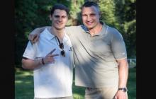 Сын Кличко в день рождения отца сделал ему необычный подарок: опубликовано фото