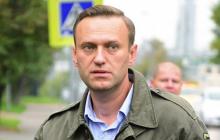 СМИ узнали, зачем Навальному срочно усилили охрану после того, как он очнулся