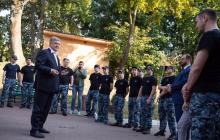 """""""Горжусь нашими моряками"""", - Петр Порошенко встретился с освобожденными украинскими военными"""