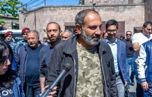 Освобожден лидер революции в Армении: восторженные протестующие радостно встретили вышедшего из СИЗО Пашиняна - кадры