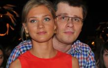 """Кристина Асмус намекнула на причину развода с Харламовым: """"Нужно работать обоим"""""""