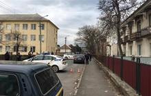 В Мукачево прямо возле школы произошли разборки со стрельбой