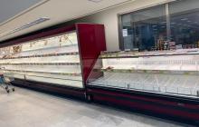 В Италии люди штурмуют магазин в Палермо и не хотят платить за покупки