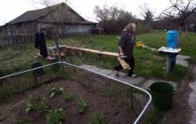 """""""Лучше жить с миром, чем с войной"""", - жители Донбасса переселяются в Чернобыль – кадры"""