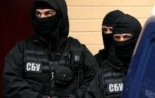 Одессит расклеивал по городу сепаратистские листовки и хранил дома коллекцию оружия - подробности, кадры
