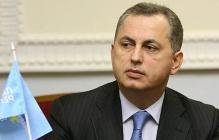 Колесников показал свой паспорт, чтобы опровергнуть информацию о запрете въезжать в РФ