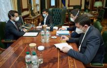 """Ужесточение мер в Украине: власть допускает введение """"масочного режима"""" в период Пасхи"""