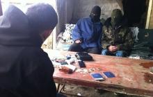 """""""Сразу расстрел, убежать даже не пытались!"""": завербованные """"ДНР"""" уголовники рассказали о кабальном соглашении с террористами"""