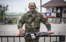"""Военный """"УРАЛ"""" оккупантов на Донбассе взлетел на воздух: у боевиков крупные потери"""