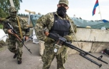 """Боевики """"ЛНР"""" устраивают позицию перед рухнувшим мостом на Донбассе"""