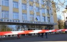 В Николаеве парализована работа семи избирательных участков. Ищут взрывчатку
