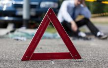В Киеве Mazda, разбив окна, влетела в середину кофейни – есть пострадавшие