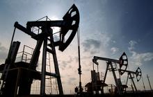"""Небывалая катастрофа в России: добыча нефти резко рухнула, достигнув """"дна"""", - стали известны причины"""